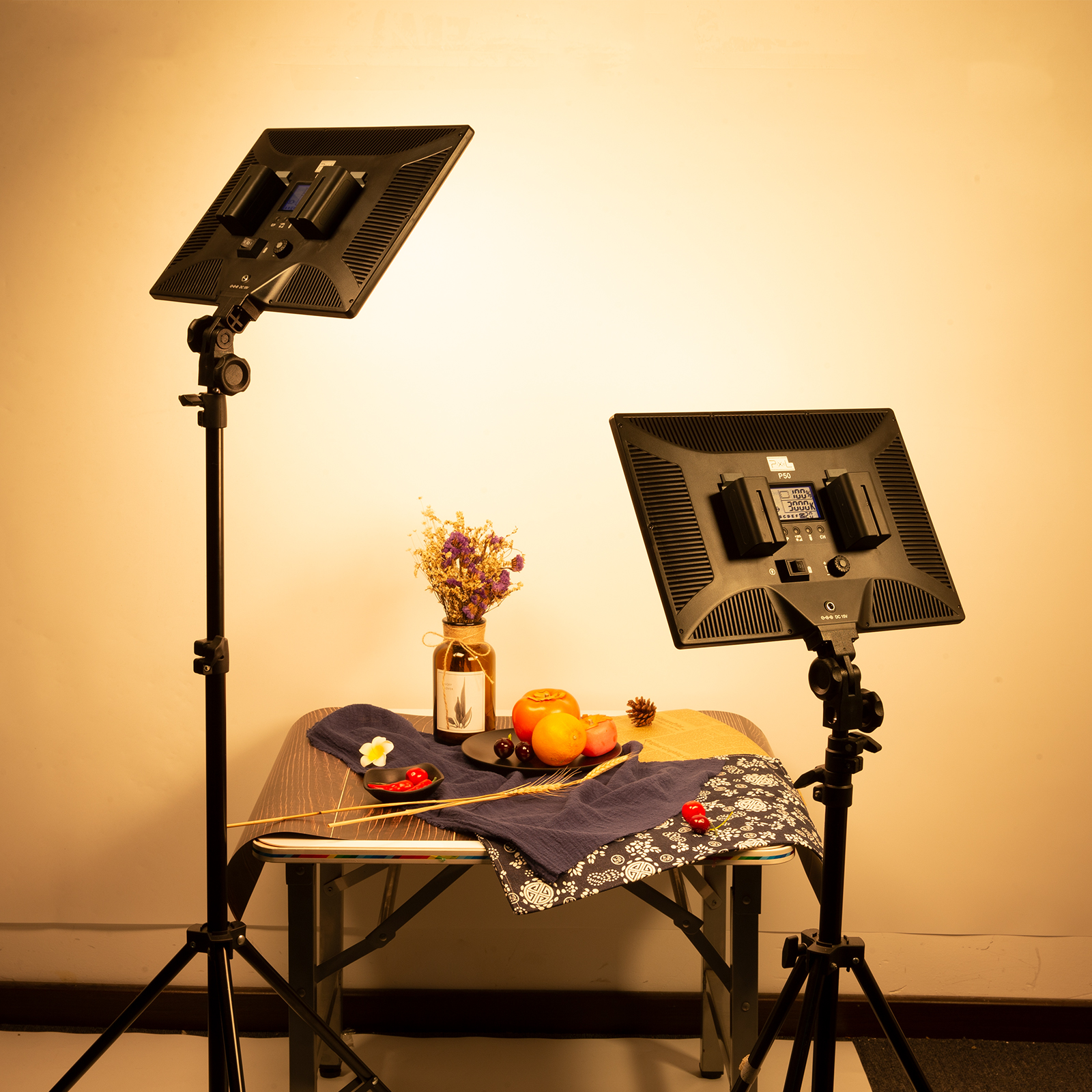 Pixel P50 Panel Light, super wide area color temperature,100 degree saturation, light and portable, intelligent special effects and flexible color palette
